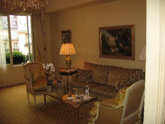 Four Seasons Hotel George V Paris: Superior Deluxe Suite