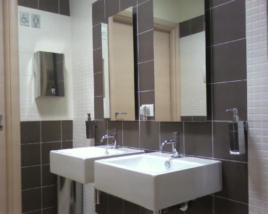 Bagno del bar picture of hotel san giuan alghero for Arredo bagno hotel