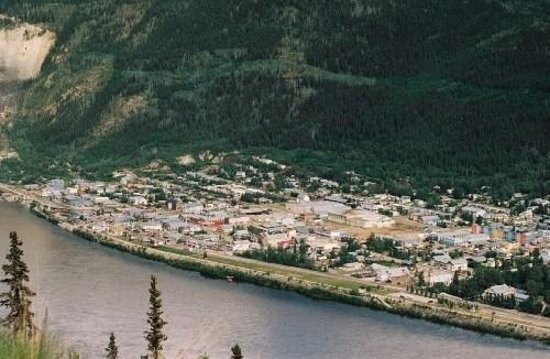 Dawson City . vue depuis Top of the World highway