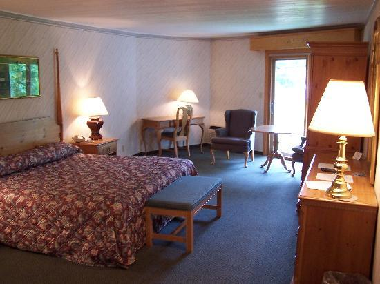 Paradise Inn: Premier King Room