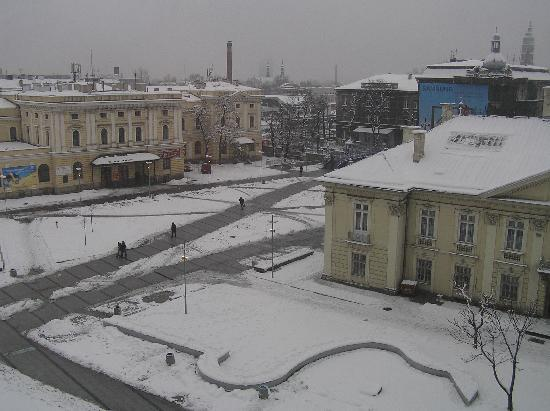 andel's by Vienna House Cracow: Snowy view of the square from the room