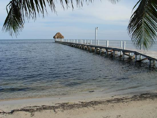 ‪‪Pelican Reef Villas Resort‬: Private pier‬