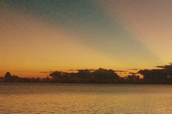 Glover's Atoll Resort: A nice sunset