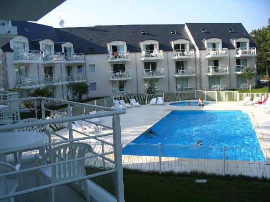 Le Domaine des Glenan : Vue piscine