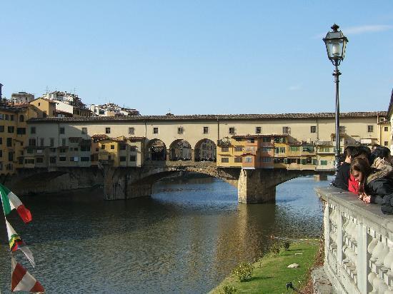 هوتل إتروسكا: Ponte Vecchio bridge