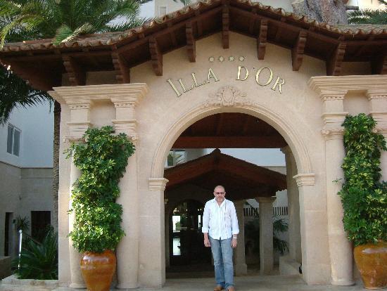 Hotel Illa d'Or: Illa D'or main entrance