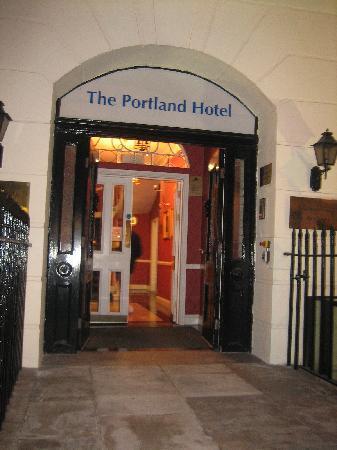 Grange Portland Hotel: Street View of the Portland