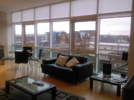 High Quality Glasgow Loft Apartments: Lounge