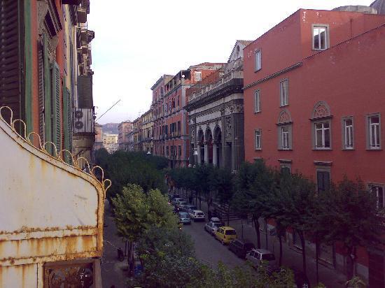 Hotel Piazza Bellini : Room 201 Left