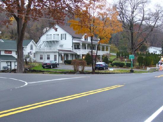 Apple Valley Inn Bed & Breakfast: The Apple Valley Inn
