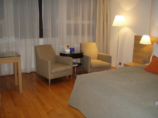 Hilton Reykjavik Nordica: Our room