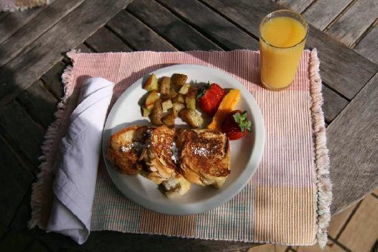 Rainforest Inn: RI Frühstück