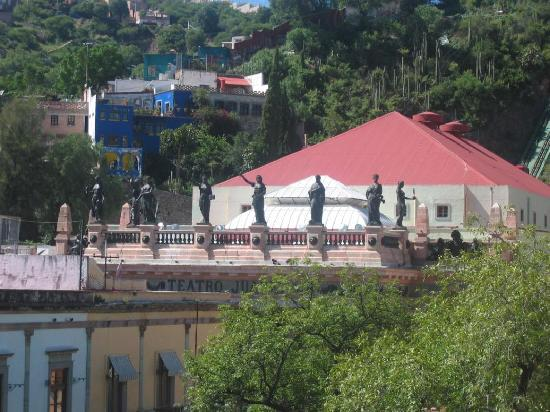 Hotel San Diego : Juarez Theater from roof