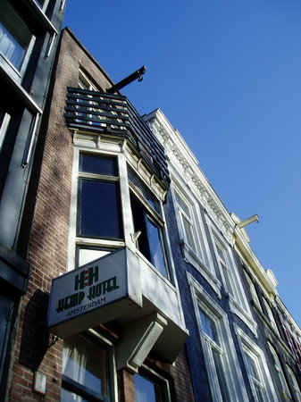 Hemp Hotel: All The Way To The Top