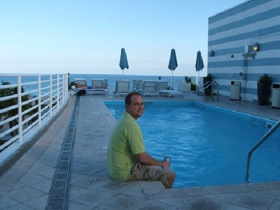 Suites At Congress Ocean Drive Chilling The Pool