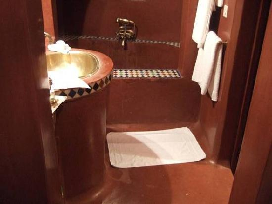 Riad Zolah: The bathroom carved from chocolate