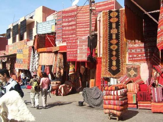Riad Zolah: spice market