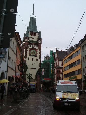 Hotel Rheingold: gate