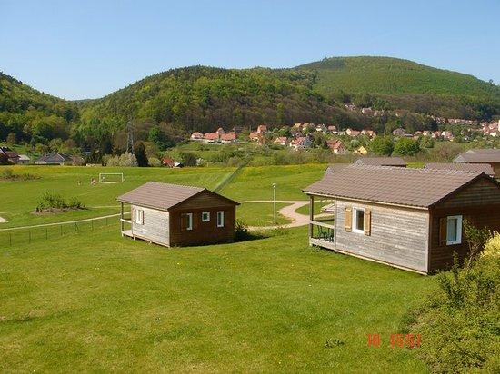 Camping l'Oasis Oberbronn : Vue sur le village et les montagnes
