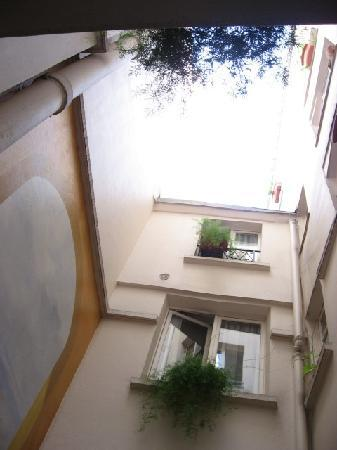Hotel Diana: The courtyard, looking skyward