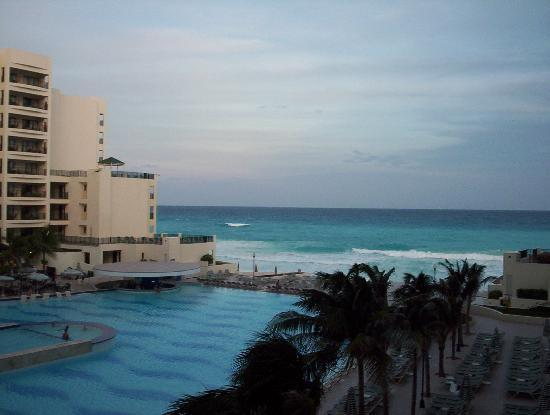 The Royal Sands Resort & Spa All Inclusive: Pool Sands