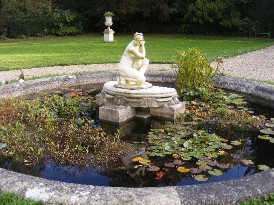 Château de Malmaison: Gardens