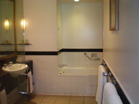 Sheraton Denarau Villas: Bathroom