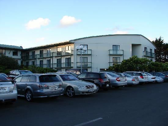 Jet Park Hotel & Conference Centre: Front of Hotel