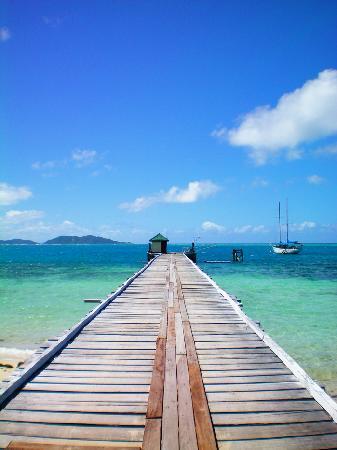 Mana Island Resort : Wharf where boat comes in