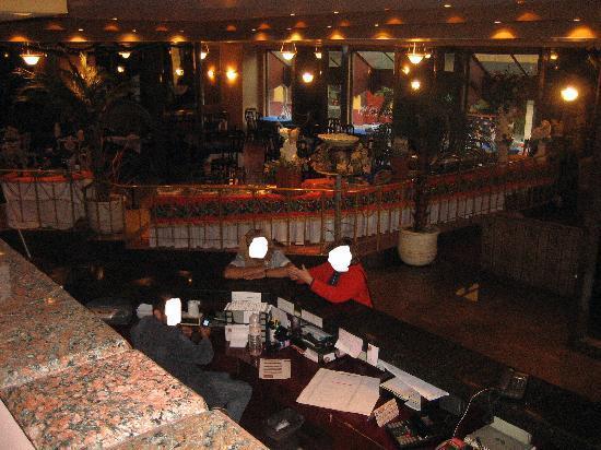 Hotel Cervantes: Lobby and Restaurant