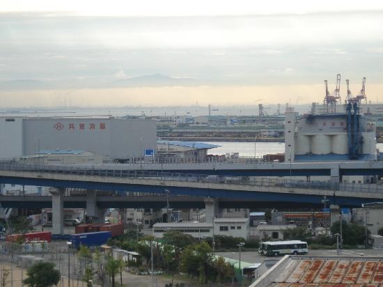 Hotel Sunroute Sopra Kobe: view from the room of the Kobe Port