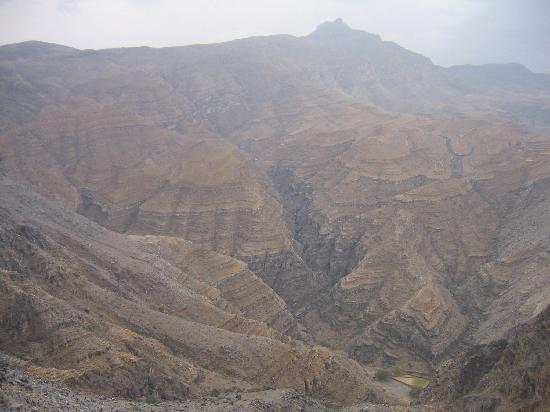 Musandam Governorate, Omán: amazing mountains little vegetation