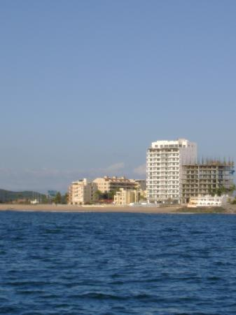 Marina Del Rey Beach Club: View from boat off-shore