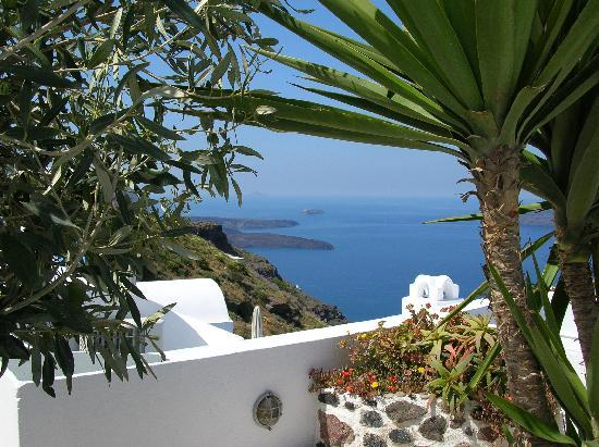 Remezzo Villas: Beautiful, Well-kept Landscape and Volcano View