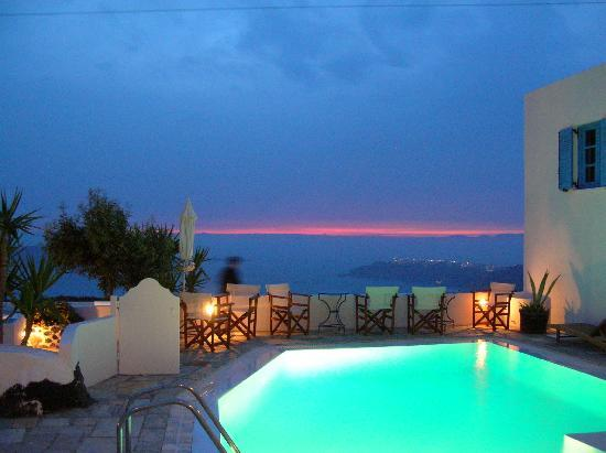 Remezzo Villas: View of Sunset! WOW!