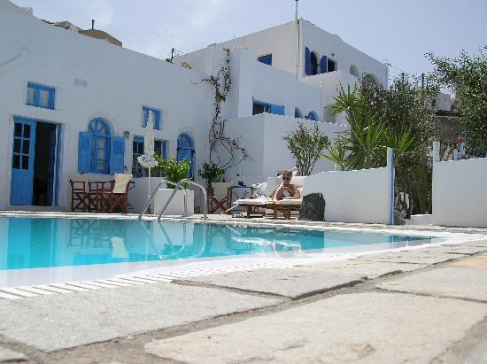 Remezzo Villas: Pool