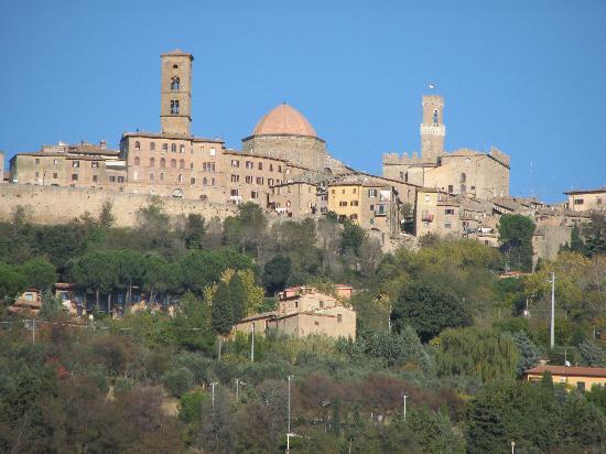 Albergo Nazionale: Volterra skyline