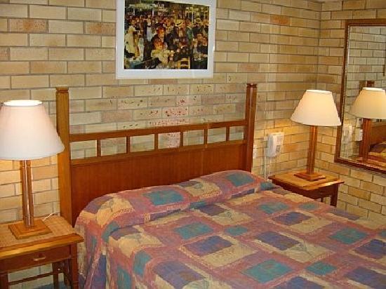 Pacific Paradise Motel: Room