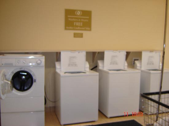 Candlewood Suites Augusta: the laundry room