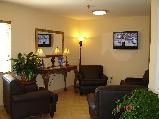 Candlewood Suites Augusta: the lobby