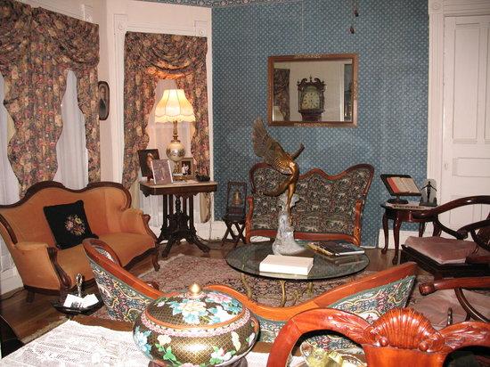 Dexter 1855 House: Living Room