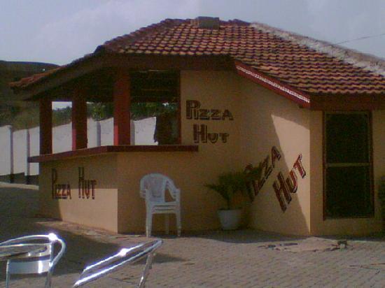 Largus Fort Hotel: Largus Fort Pizza ' Hut '