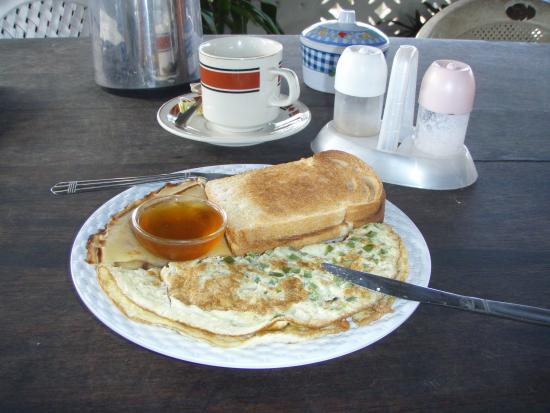Casuarina Rest House: a cooked breakfast
