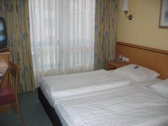 Cityhotel Am Gendarmenmarkt: room #101