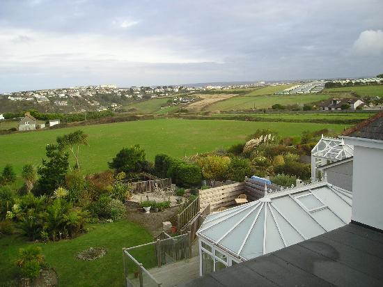 Fairbank Hotel: A view from the room to Newquay