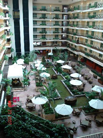 Embassy Suites by Hilton Brea - North Orange County: Inside Embassy Suites
