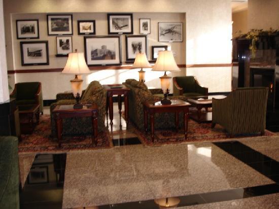 Drury Inn & Suites Columbus Grove City: Lobby area