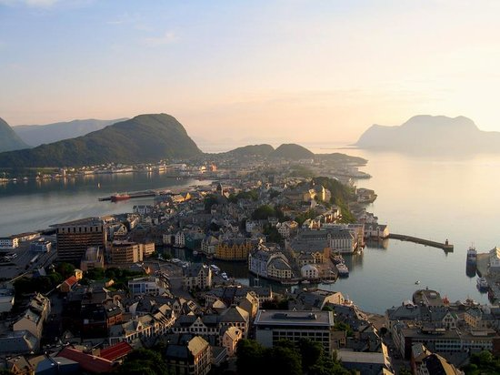 Alesund, Norveç: Ålesund seen from Aksla mountain