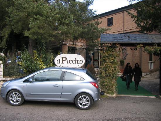 Hotel Il Picchio: ingresso esterno