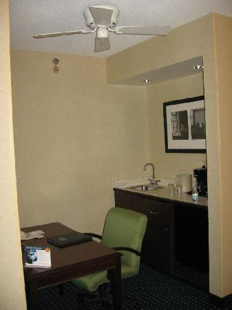 SpringHill Suites Pittsburgh Monroeville: SpringHill Suites Monroeville work area